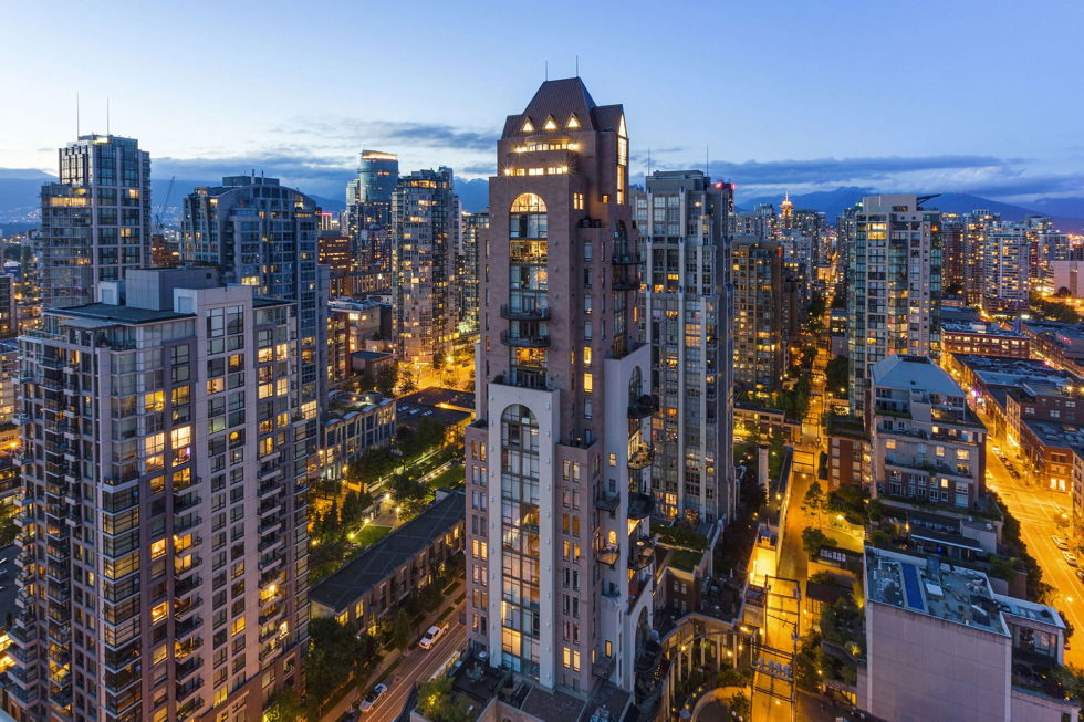 The luxury penthouse Elysium in Grace Tower, Vancouver, Canada 17