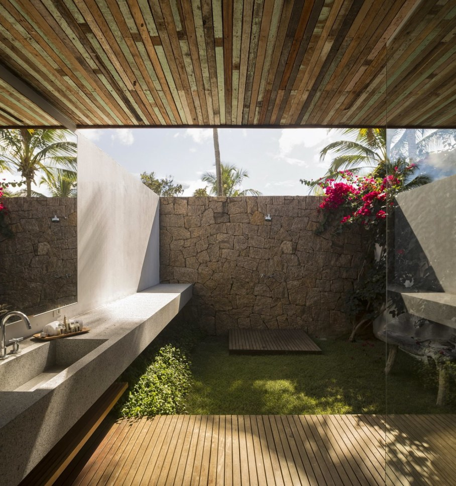 The residence in tropical style in Brazil - Washroom 2