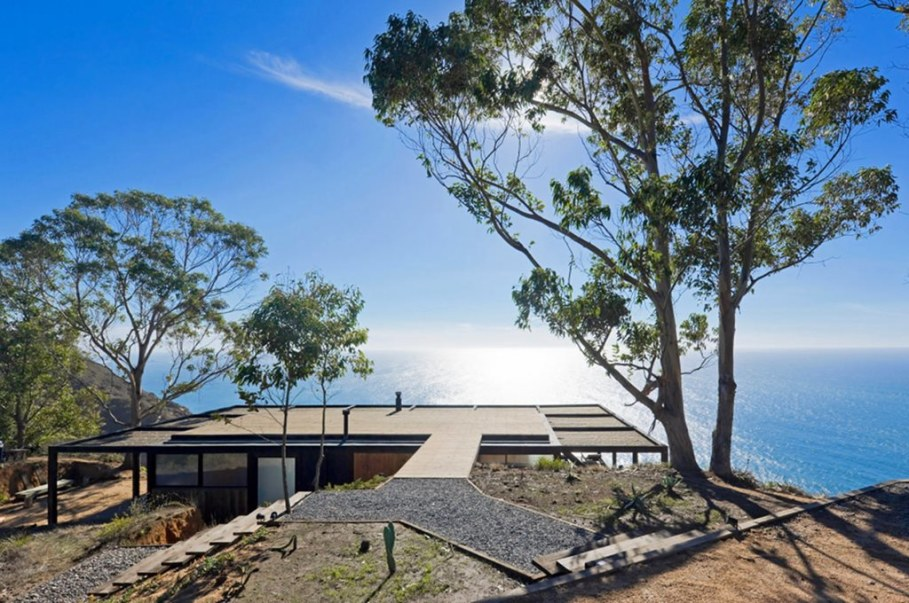 The residence on the rocky coast in Chile - Exterior 2