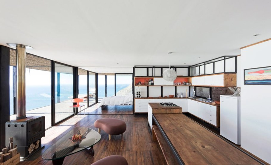 The residence on the rocky coast in Chile - Interior