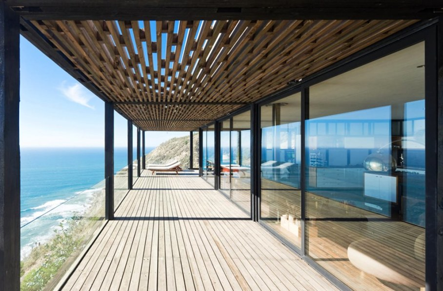 The residence on the rocky coast in Chile - outdoor terrace 2