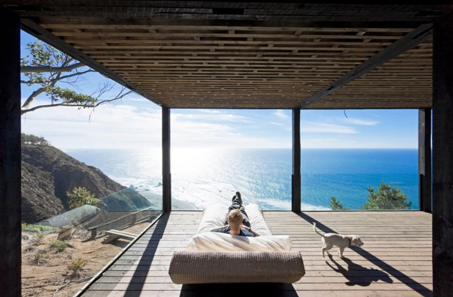 The residence on the rocky coast in Chile - outdoor terrace 3