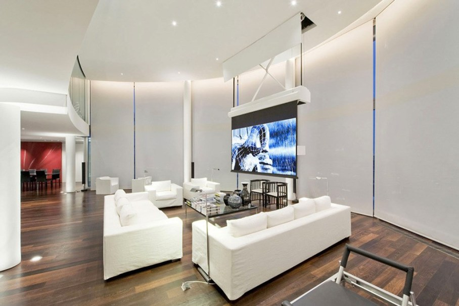 Two-Storey Penthouse Overlooking The Thames, London 4