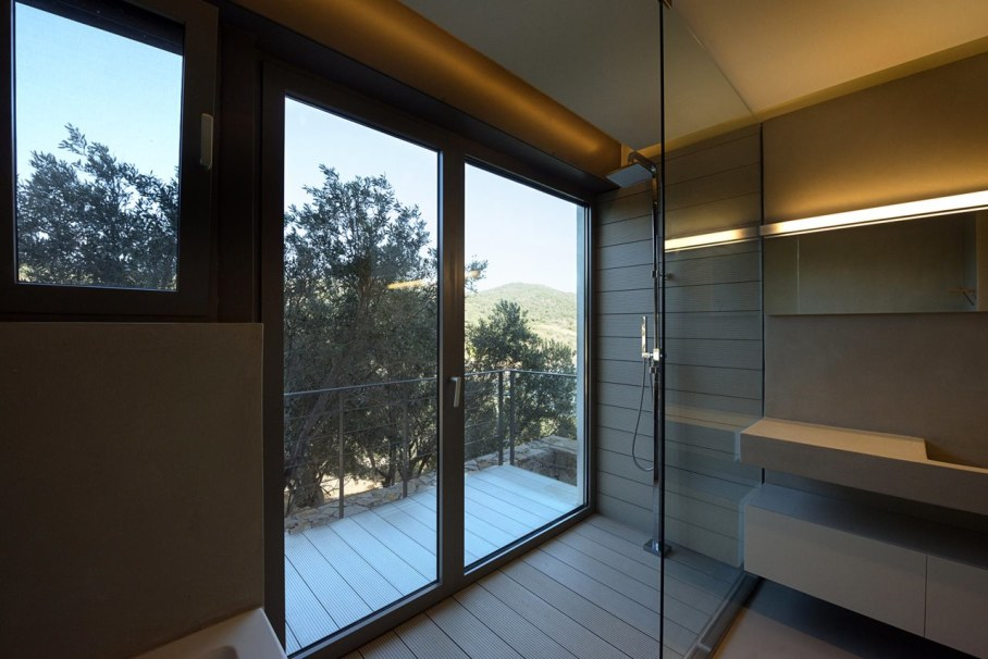 Two villas on the Aegean coast - Bathroom