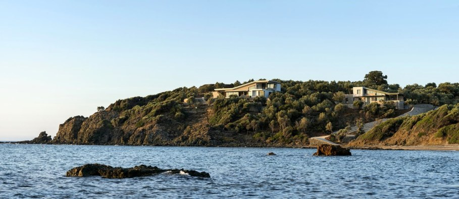 Two villas on the Aegean coast - Exterior 4