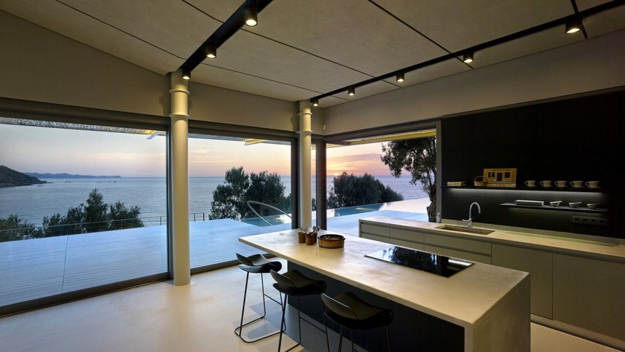 Two villas on the Aegean coast - Kitchen