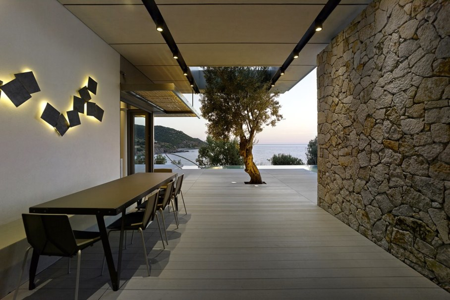 Two villas on the Aegean coast - Outdoor terrace