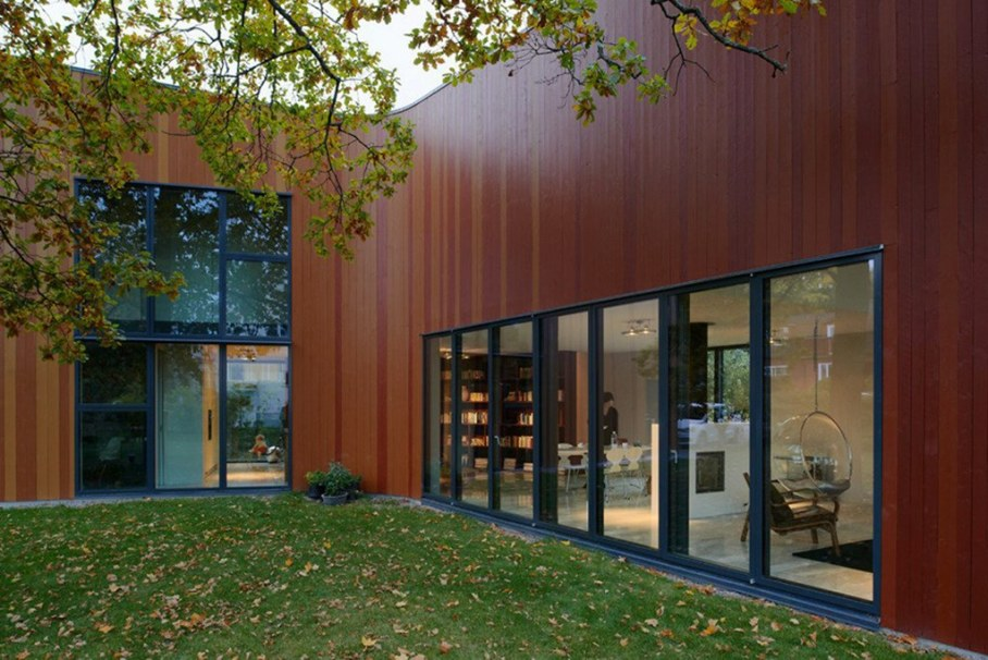 Unusual Curved Fagerstrom House In Sweden 7