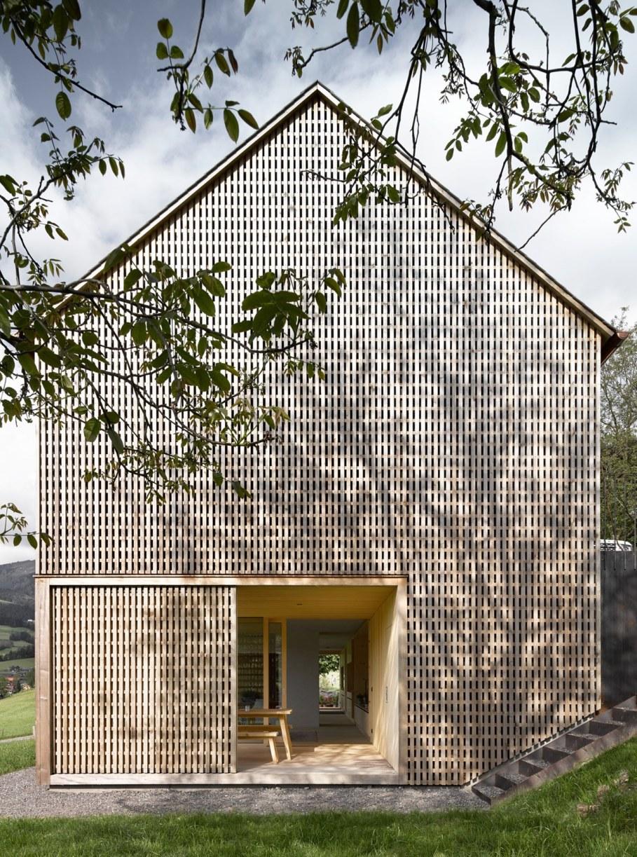 Wooden house by Innauer-Matt Architekten in Austria 3