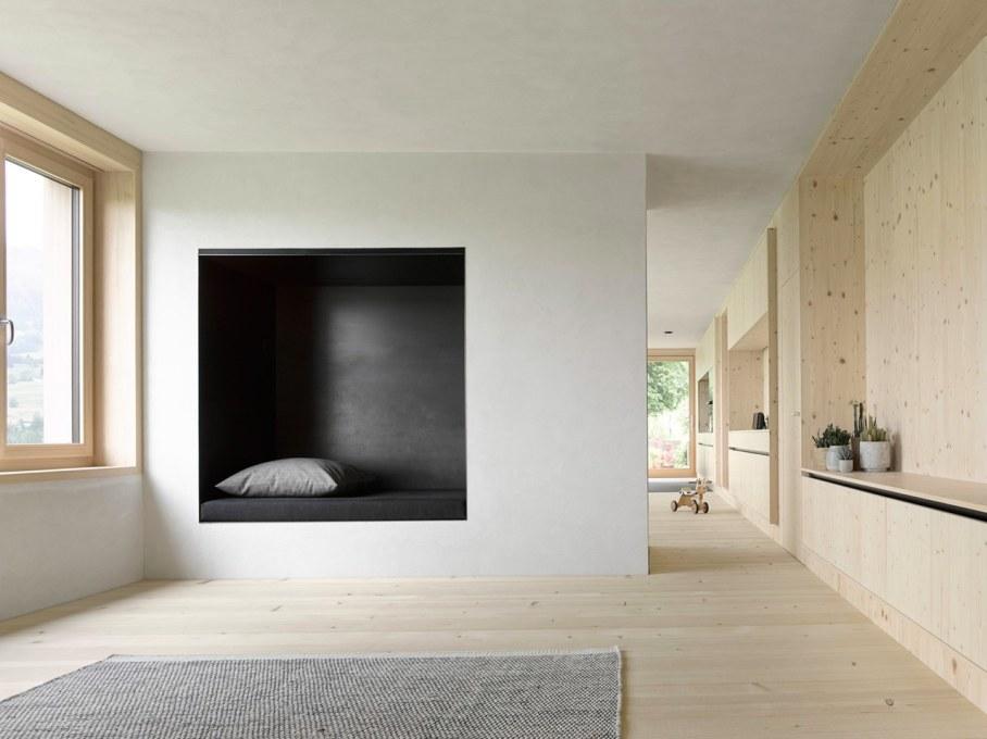 Wooden house by Innauer-Matt Architekten in Austria 4