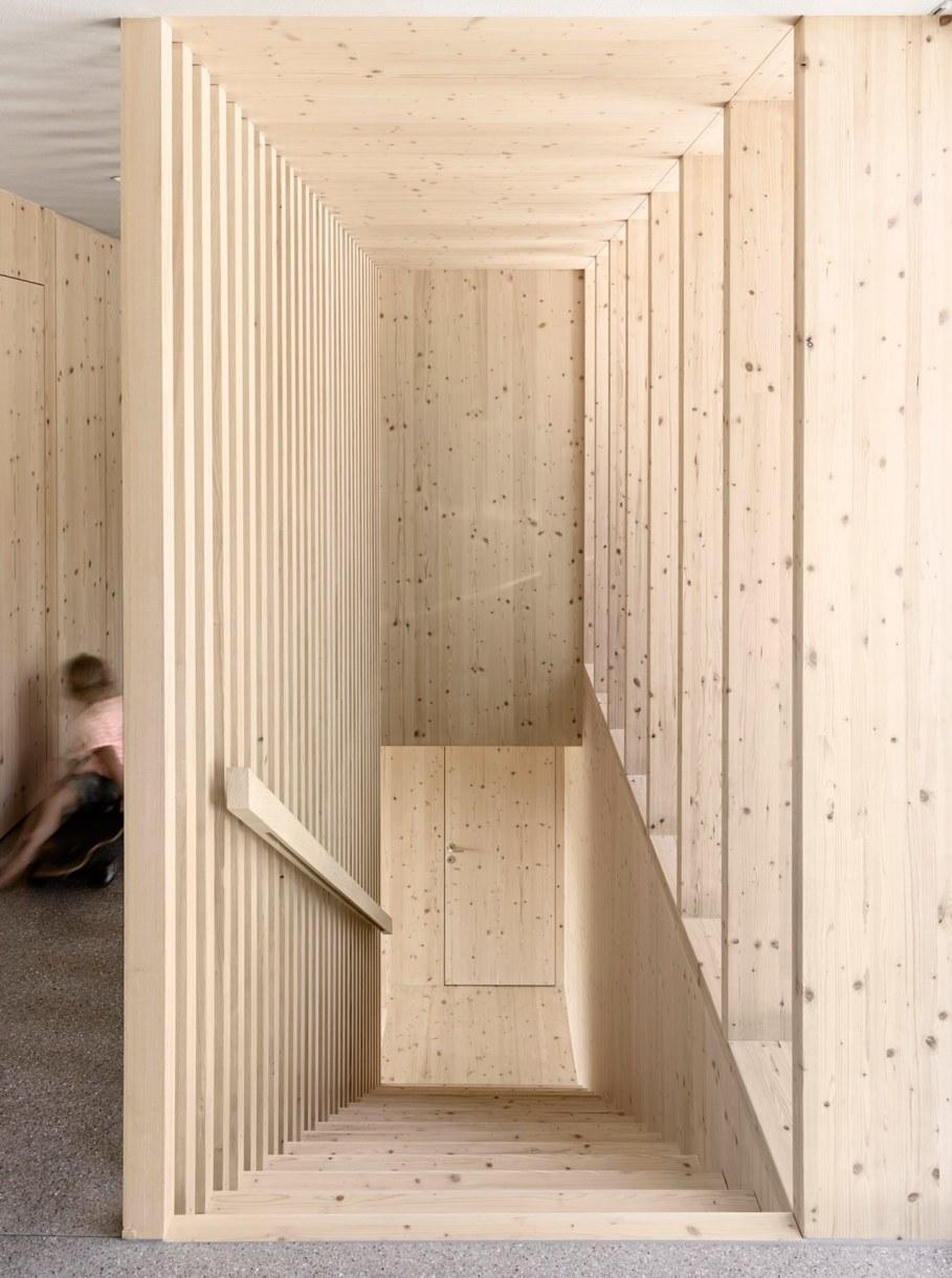 Wooden house by Innauer-Matt Architekten in Austria 8
