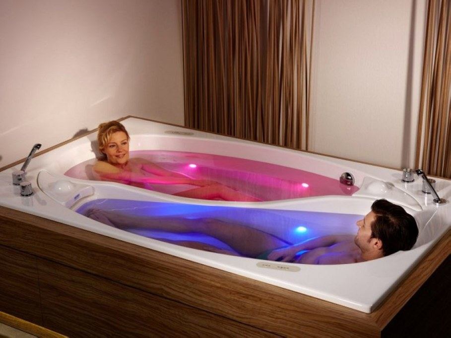 Yin Yang is a large bathtub for two people