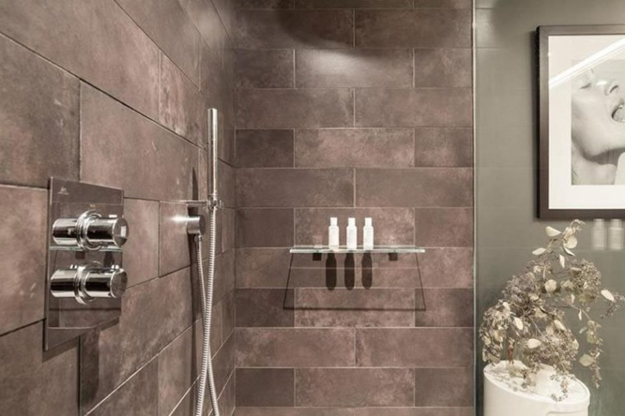 luxury apartments in New York bathroom 2