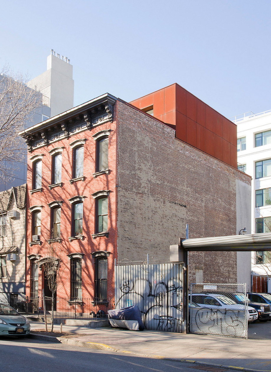 Carved Maisonnette In Brooklyn From Alex Gil 1