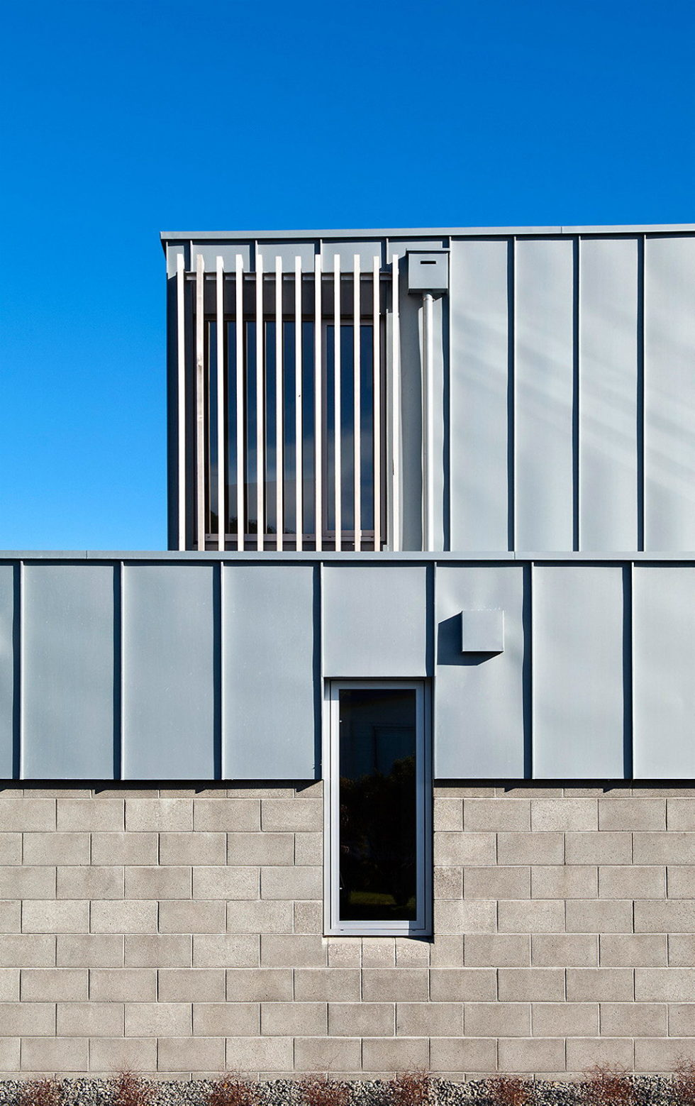 Cook Strait House In New Zealand From Tennent + Brown Architects 8
