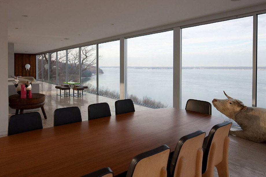 Glass Clearhouse by Stuart ParrDesign on the lake bank 2
