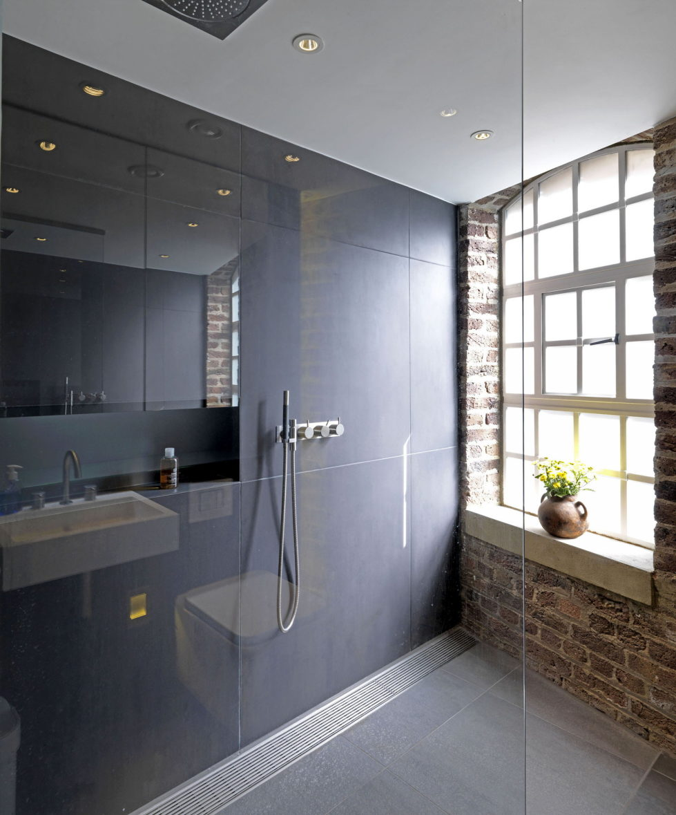 Loft - a warehouse in Bermondsey district - Bathroom