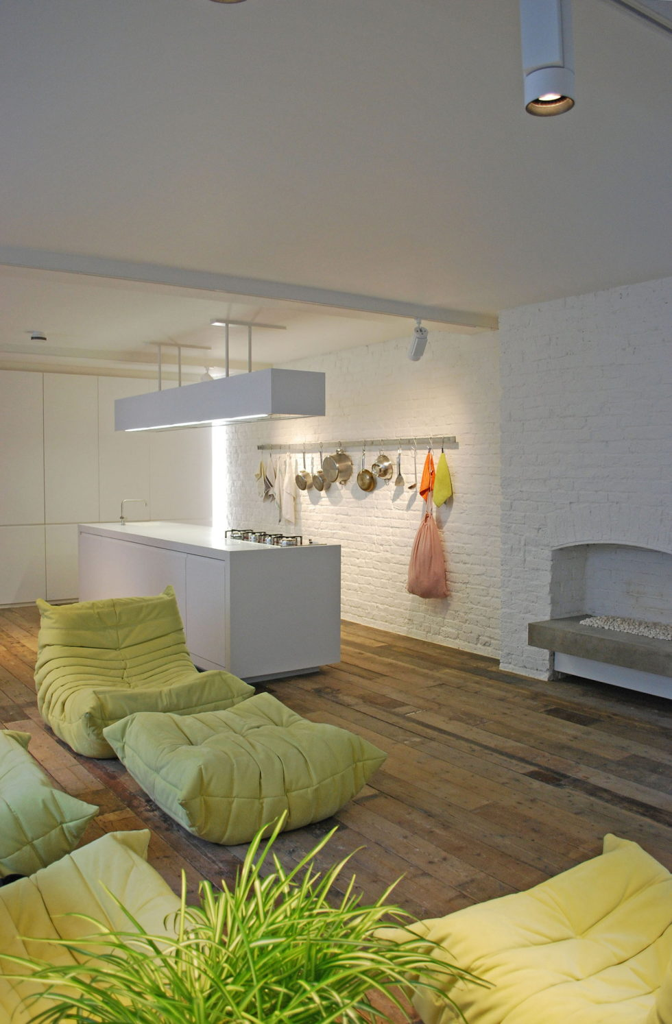 Loft - a warehouse in Bermondsey district - Fireplace