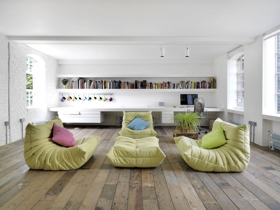Loft - a warehouse in Bermondsey district - Living room and home library