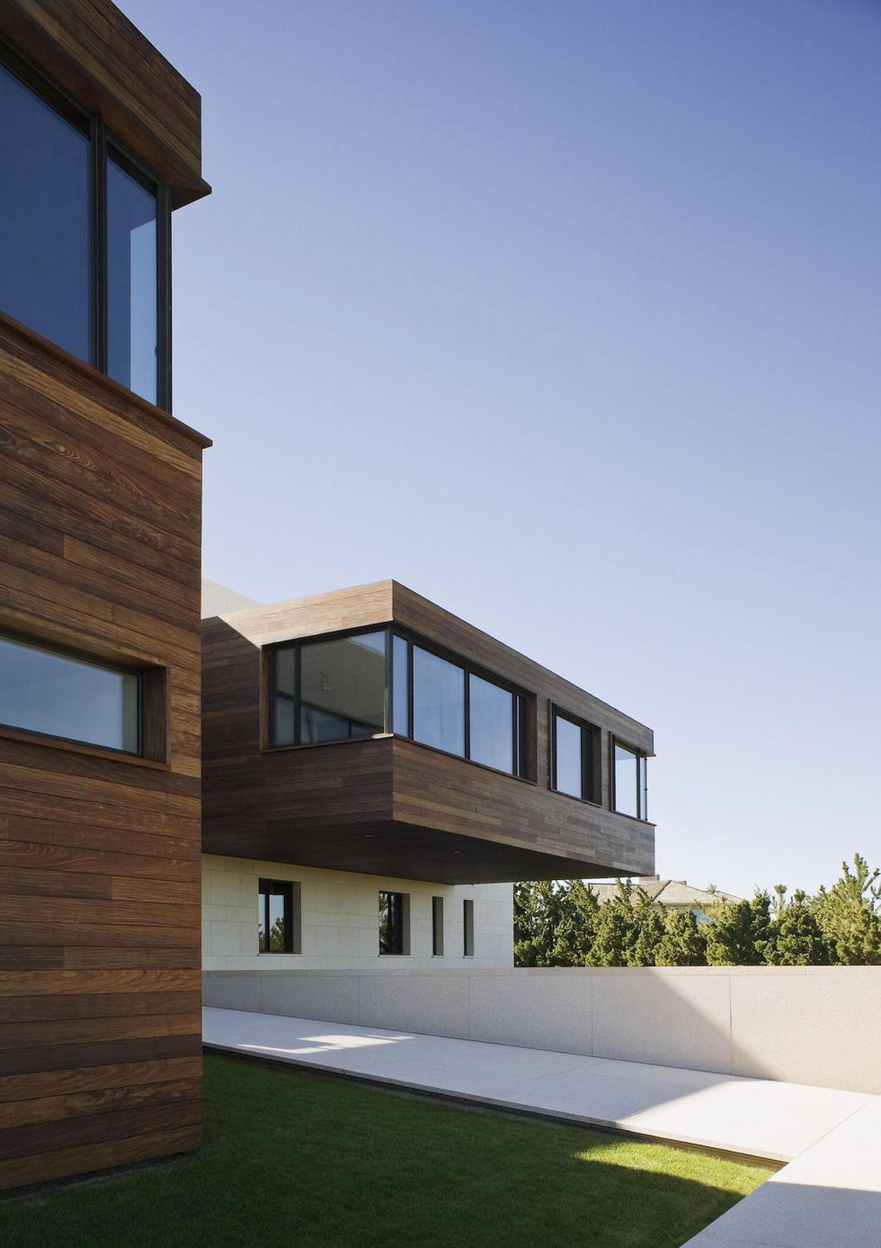 Luxurious House On The Shore From Alexander Gorlin Architects 2