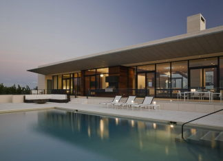 Luxurious House On The Shore From Alexander Gorlin Architects, Southampton (The USA)