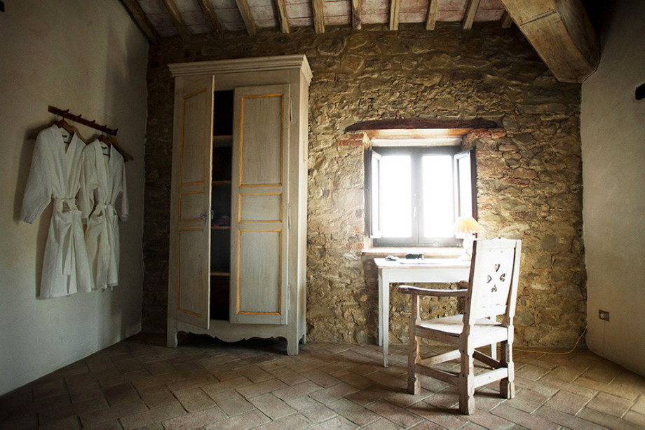 Medieval Villa With Modern Conveniences In Italy 26