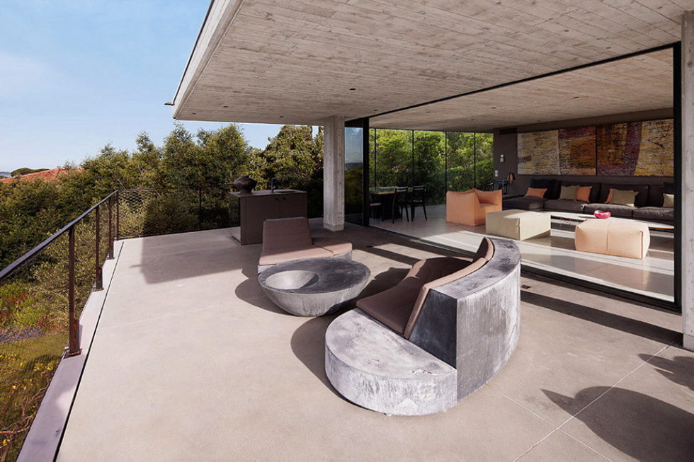 Modern House From Bumper Investments At Saint-Tropez Bay 5