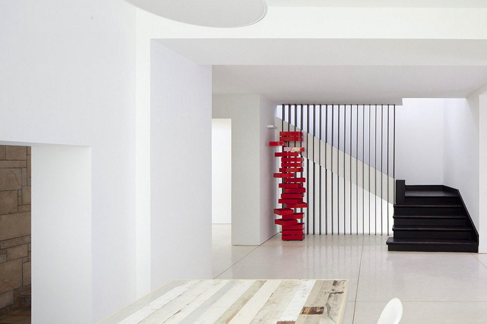 Modern Minimalistic Urban Villa in Tel Aviv 12