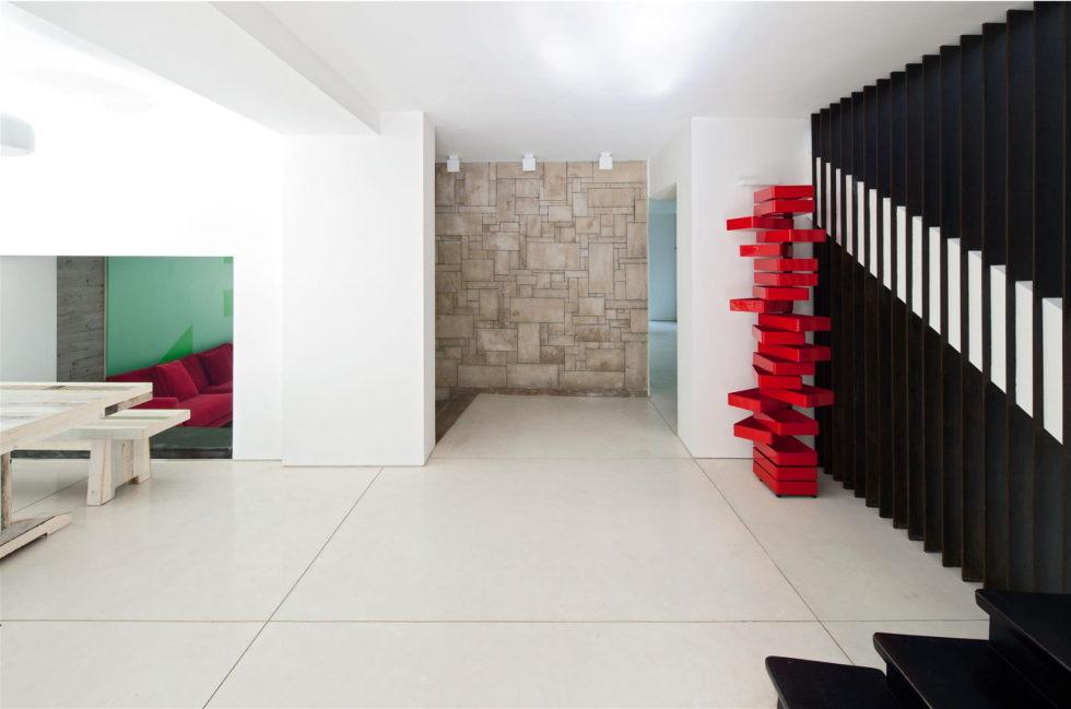 Modern Minimalistic Urban Villa in Tel Aviv 13