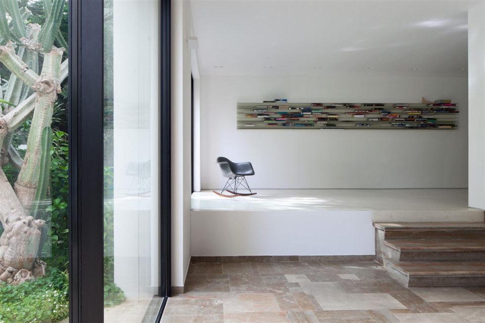 Modern Minimalistic Urban Villa in Tel Aviv 4
