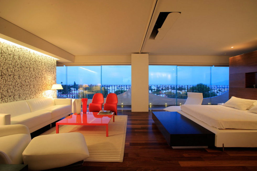 Penthouse with Glass Floor Bathroom, Guadalajara, Mexico - Bedroom