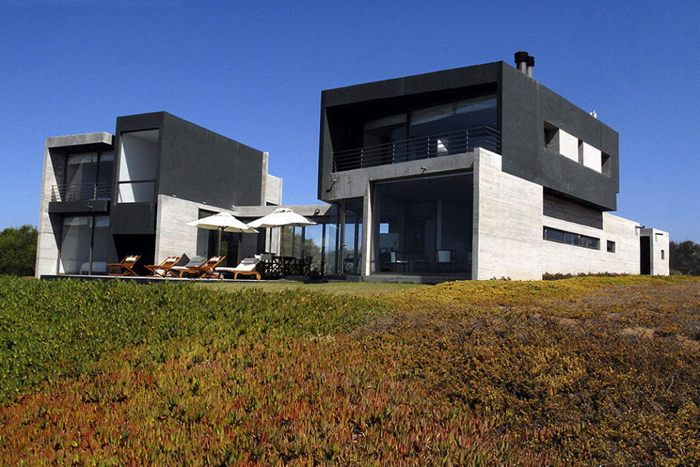 Rabanua Summer House From DX Arquitectos On The Coast of Chile 3