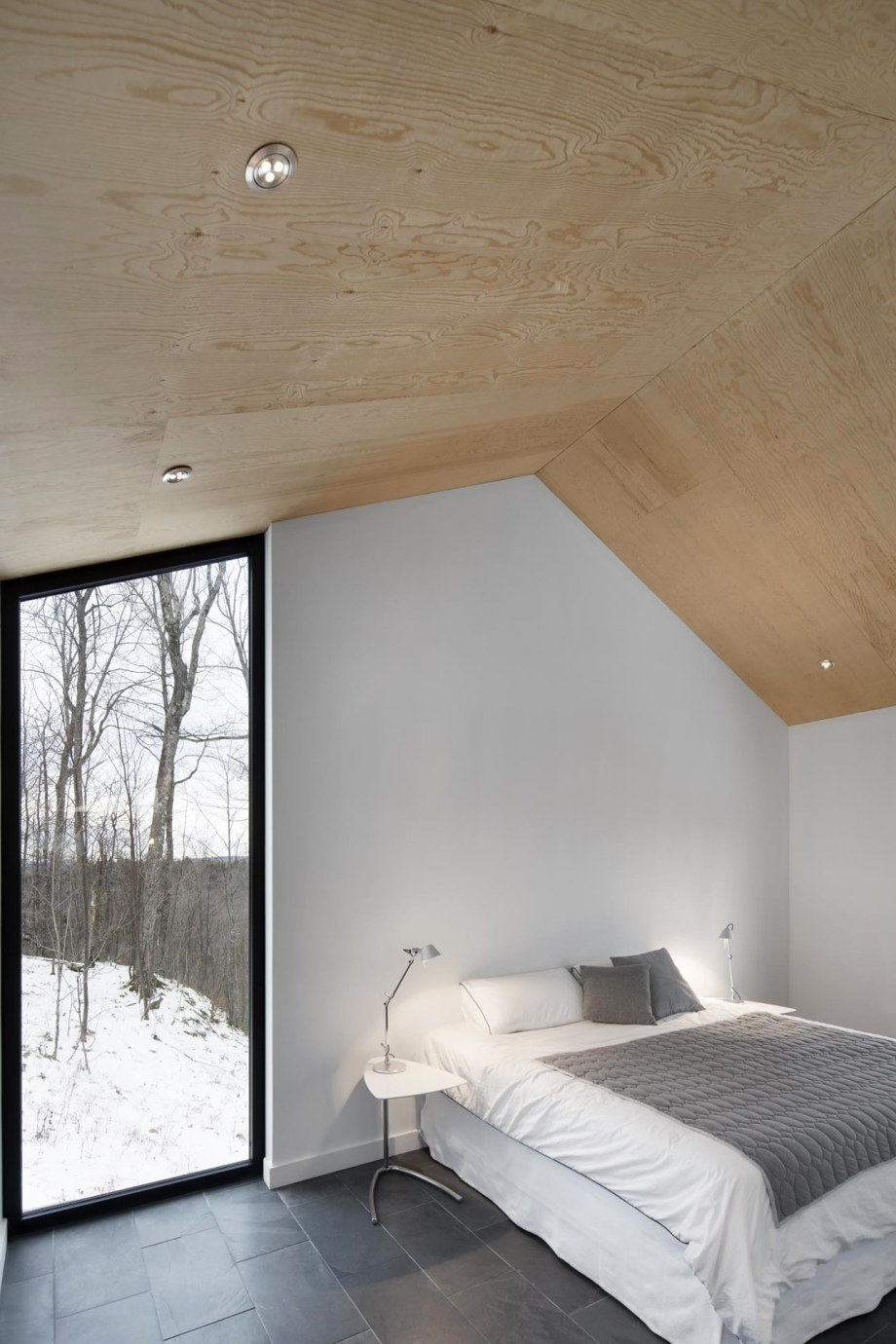 The Bolton house from Office Naturehumaine in Quebec 10