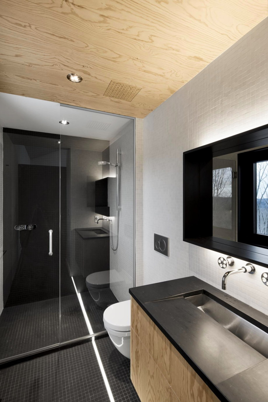 The Bolton house from Office Naturehumaine in Quebec 11