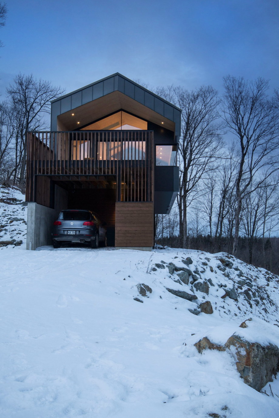 The Bolton house from Office Naturehumaine in Quebec 15