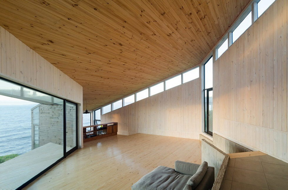 The House Overlooking The Pacific Ocean From Branko Pavlovic + Pablo Lobos-Pedrals 3