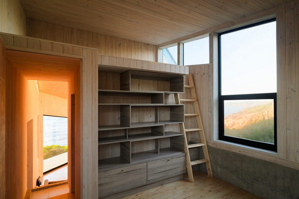 The House Overlooking The Pacific Ocean From Branko Pavlovic + Pablo Lobos-Pedrals 6