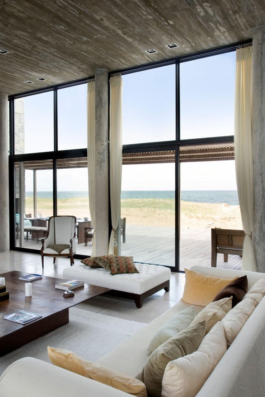 The beach house La Boyita Residence by Martin Gomez Arguitectos, Uruguay 16