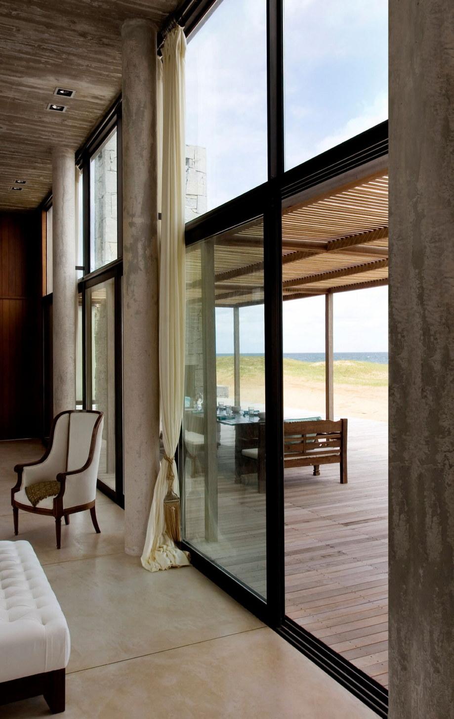 The beach house La Boyita Residence by Martin Gomez Arguitectos, Uruguay 18