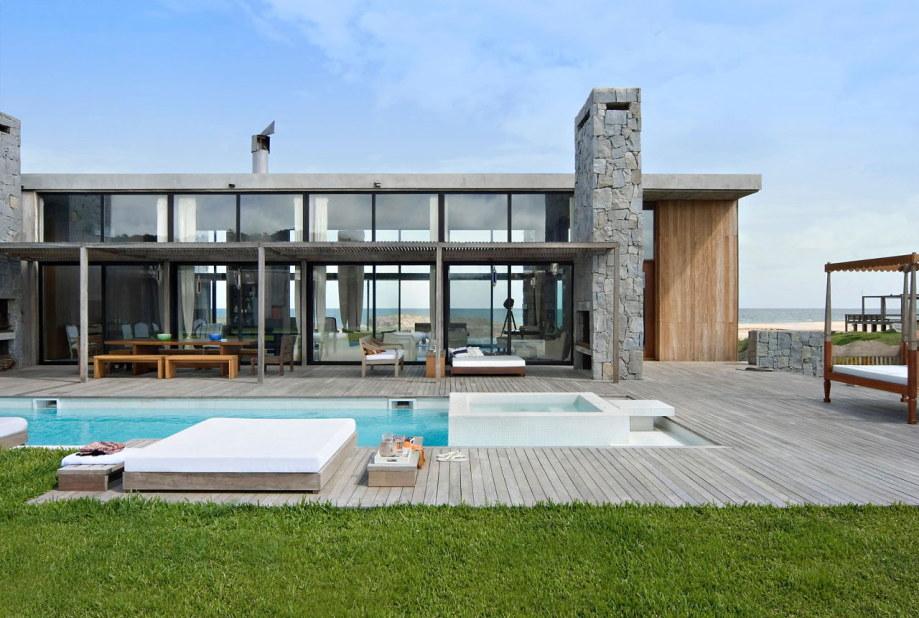 The beach house La Boyita Residence by Martin Gomez Arguitectos, Uruguay 2