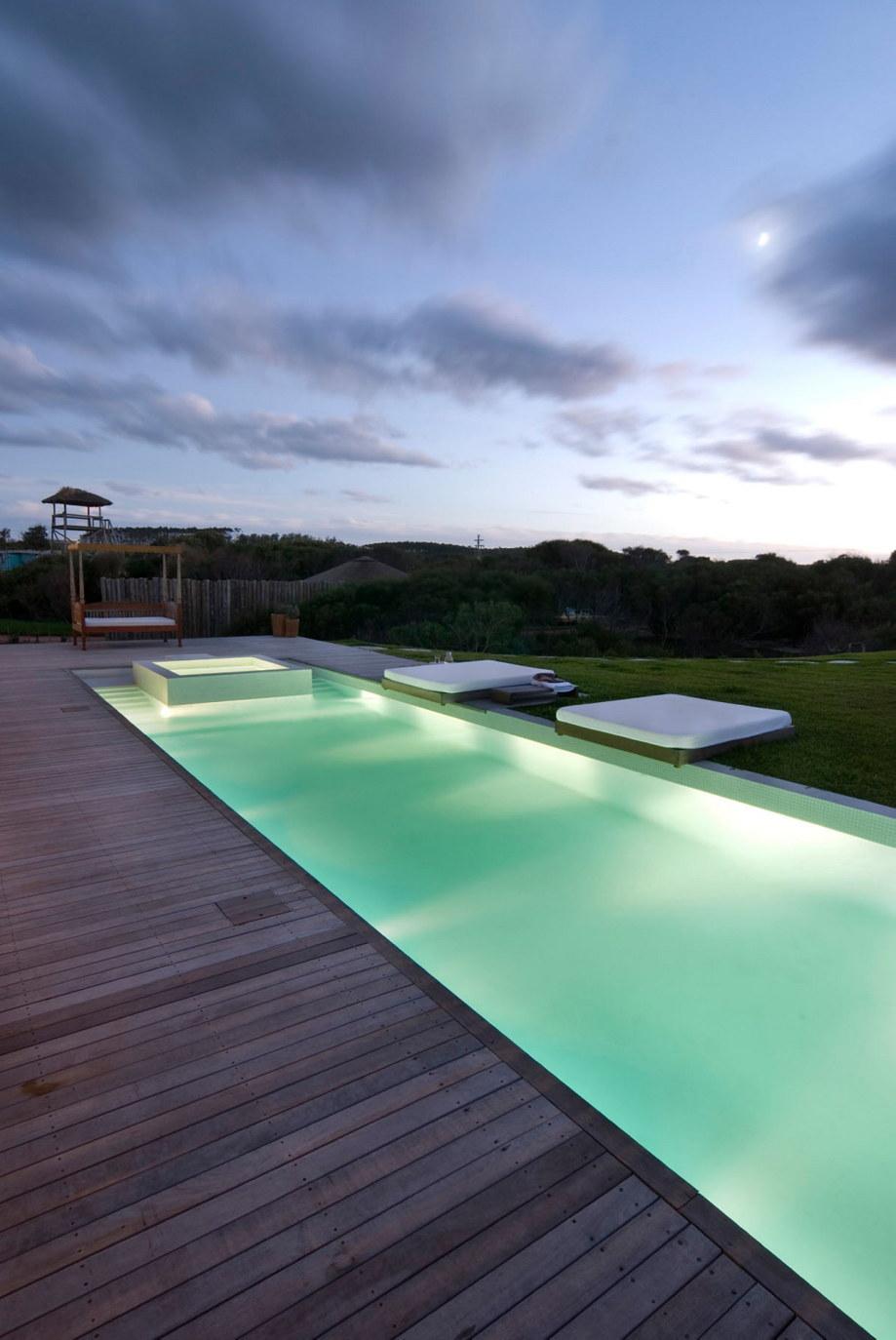 The beach house La Boyita Residence by Martin Gomez Arguitectos, Uruguay 33