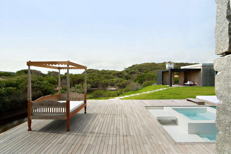 The beach house La Boyita Residence by Martin Gomez Arguitectos, Uruguay 4