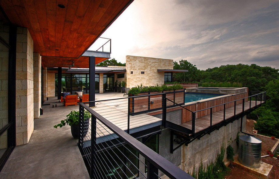 The elegant house in the picturesque hillside in Texas 2