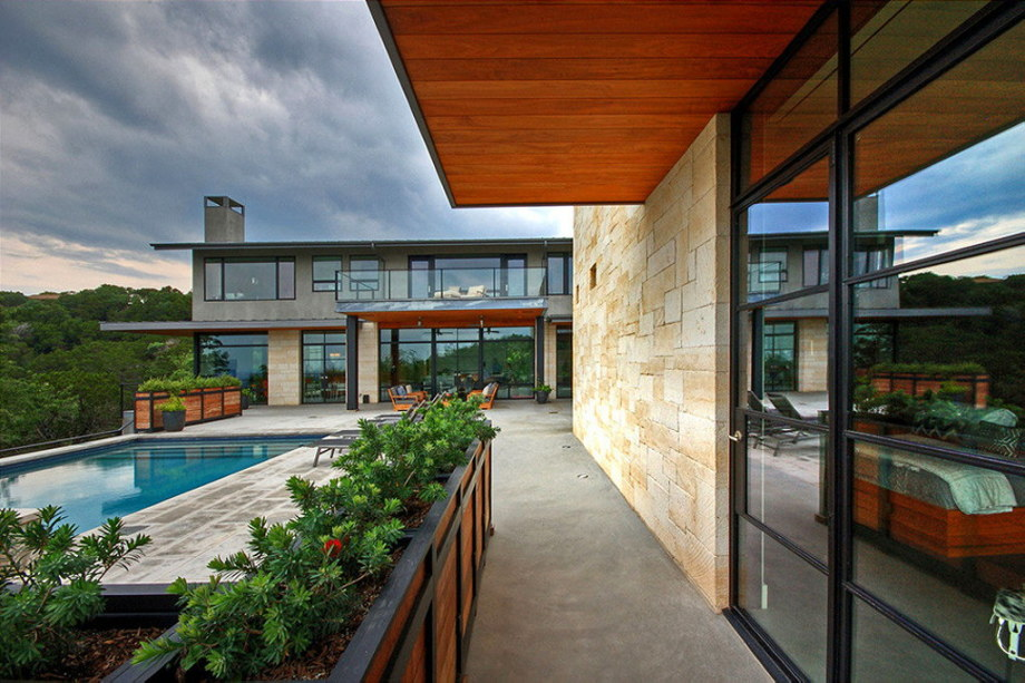 The elegant house in the picturesque hillside in Texas 5