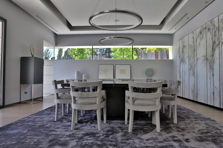 The modern five bedroom house in Madrid 7