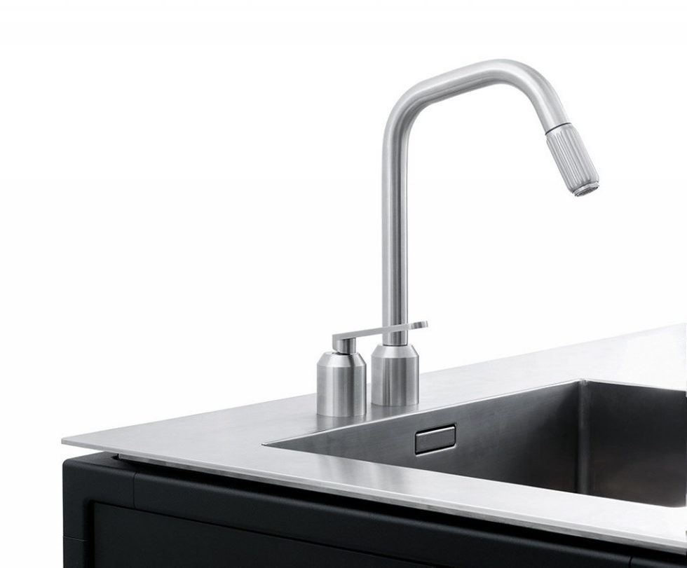 The practical kitchen of stainless steel from Vipp 10