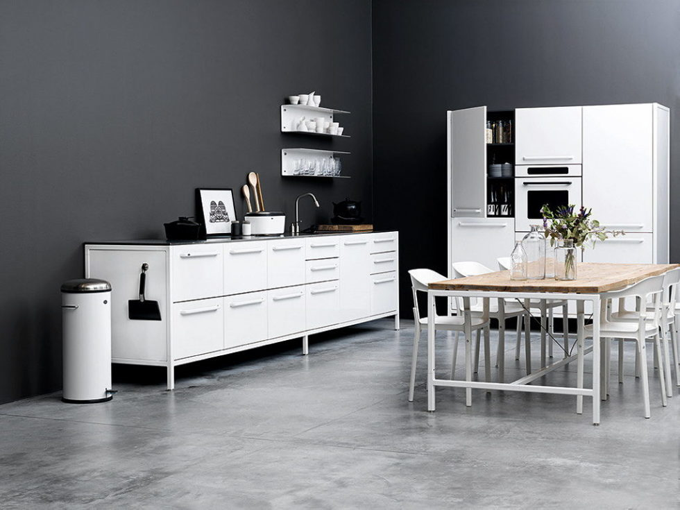The practical kitchen of stainless steel from Vipp 15