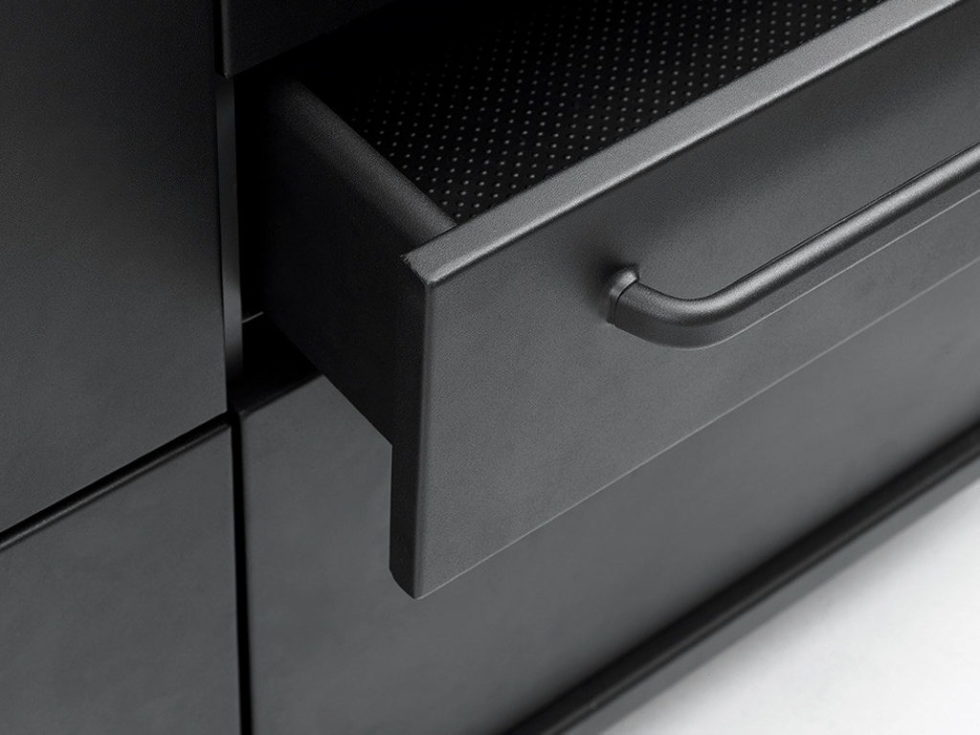 The practical kitchen of stainless steel from Vipp 7