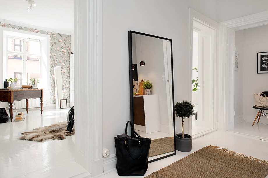 The snow-white three bedroom apartment in Sweden 12