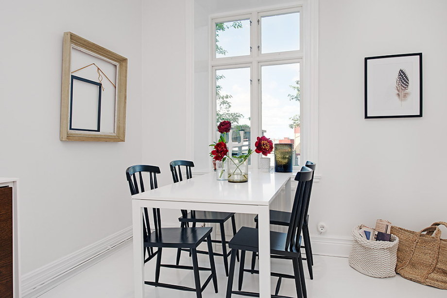 The snow-white three bedroom apartment in Sweden 17